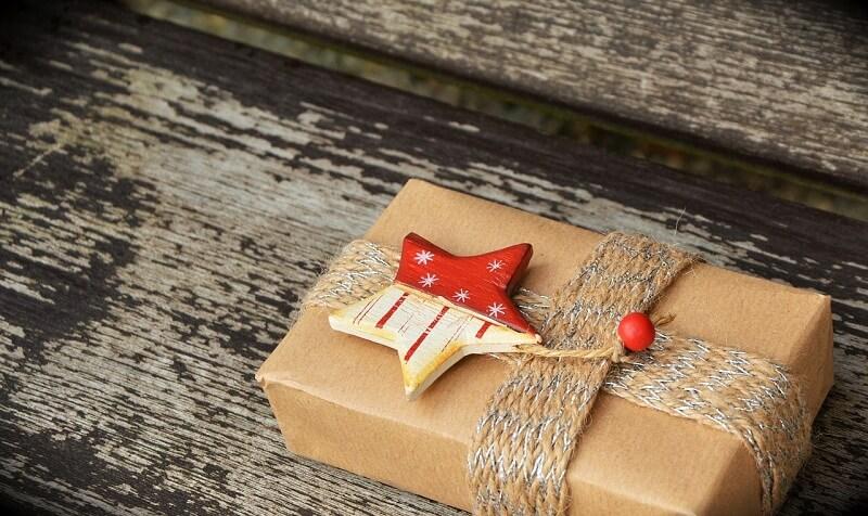 Top 3 Cách gói quà bằng giấy kiếng cực đơn giản mà lại đẹp