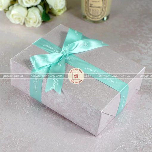 Giấy gói quà cao cấp hình hoa