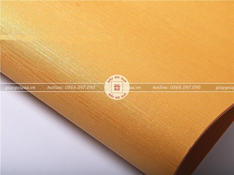 Mẫu giấy gói quà dán tường đẹp và độ bền cao