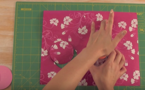 Cách gói quà bằng giấy hình trụ mẫu 1 5