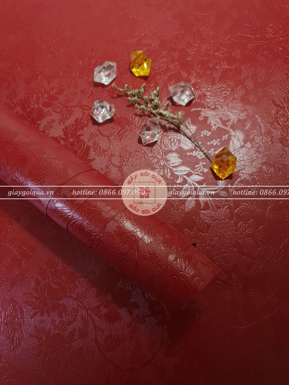 Giấy gói quà, bọc quà cao cấp vân hoa nổi màu đỏ
