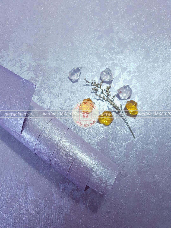 Giấy gói quà, bọc quà cao cấp vân hoa nổi màu tím