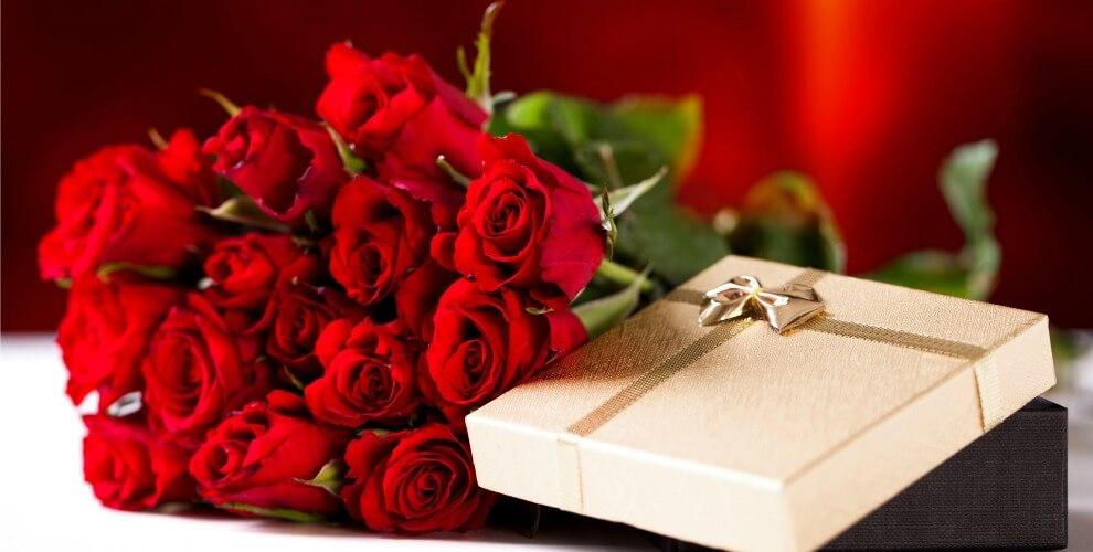 Hoa hồng tượng trưng cho tình yêu và sự quyến rũ của người phụ nữ