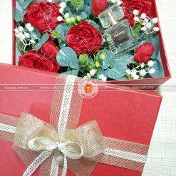 Hộp quà hoa hồng, hộp quà tặng valentine HQ17 – Kích thước 23x17x7cm