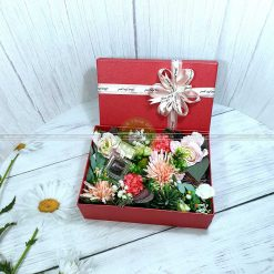 Hộp quà hoa hồng, hộp quà tặng có hoa HQ18 – Kích thước 23x17x7