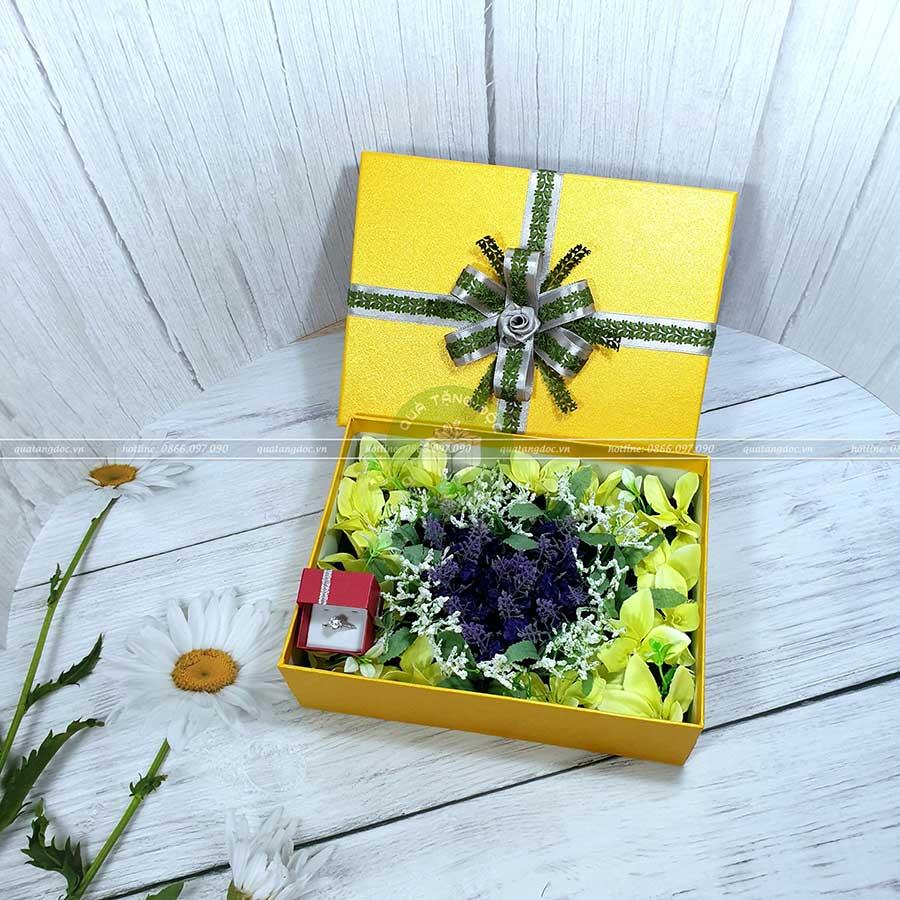 Hộp quà valentine xếp hoa trái tim độc đáo HQ15 – Kích thước 23x17x7cm