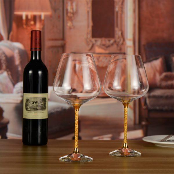 Quà tặng doanh nhân là bộ bình ly rượu vang