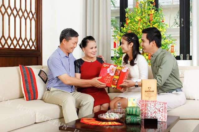 TOP 5 món quà tặng cho người già ý nghĩa và thiết thực nhất