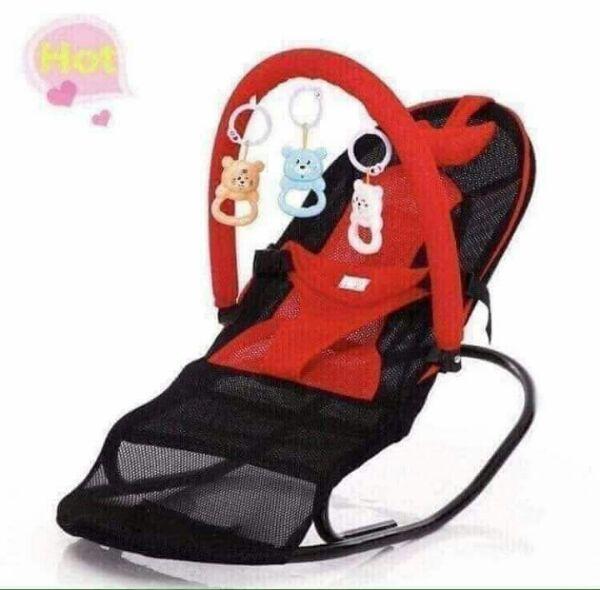 Ghế nhún sử dụng cho bé sơ sinh 1 tháng tuổi nằm ngủ, nằm chơi, nằm bú sữa