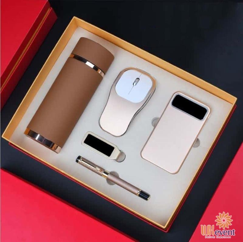 Các mẫu quà tặng hội thảo cho khách hàng ý nghĩa nhất